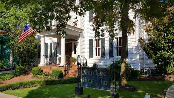 CarriageHouseInn | Thoroughbred Country