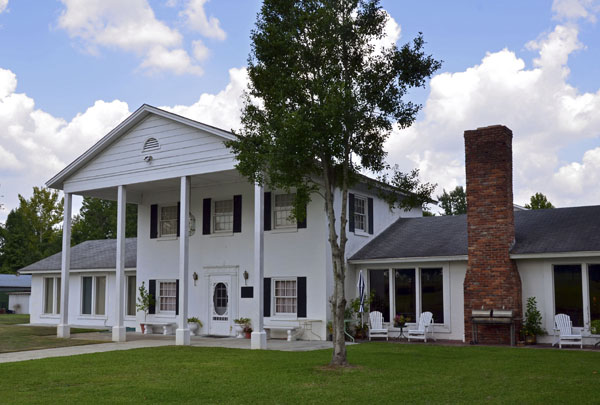 Fairdale Country Club | Thoroughbred Country
