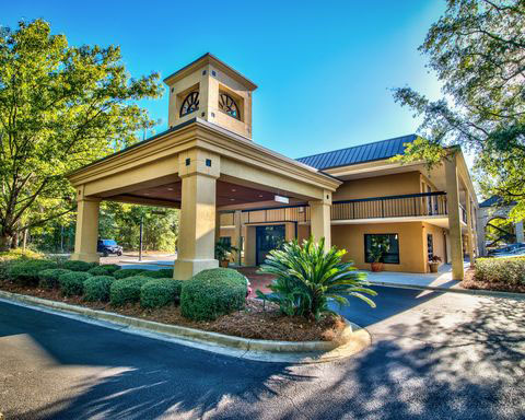 Clarion Inn  | Thoroughbred Country