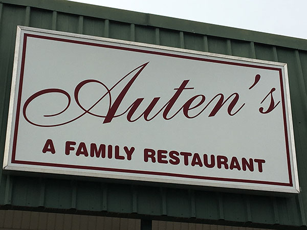Auten's  | Thoroughbred Country