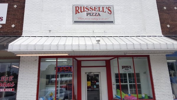 Russell's Pizza Williston  | Thoroughbred Country
