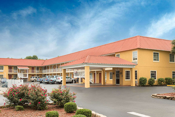 Days Inn Barnwell 2 | Thoroughbred Country