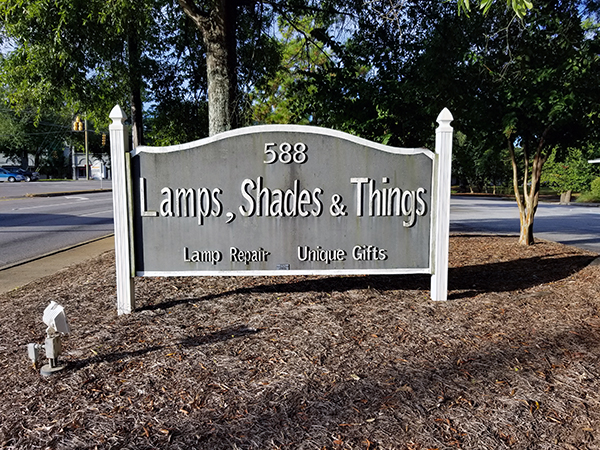 Lamps, Shades & Things   Thoroughbred Country