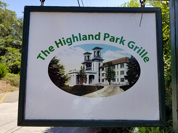 Highland Park Grille | Thoroughbred Country