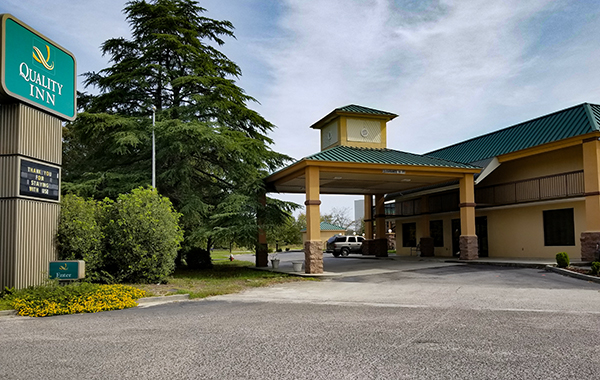 Quality Inn - Exit 22 | Thoroughbred Country
