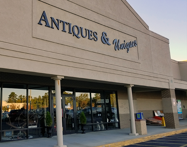 Aiken Antiques & Uniques   Thoroughbred Country