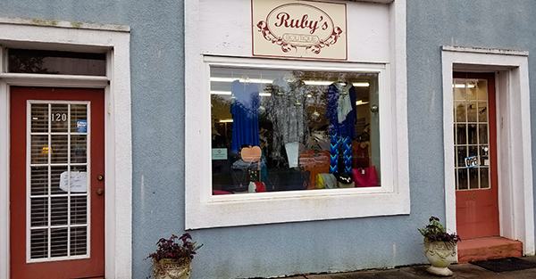 Ruby's Boutique   Thoroughbred Country