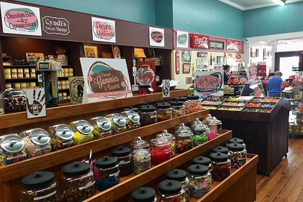 Cyndis Sweet Shoppe | Thoroughbred Country