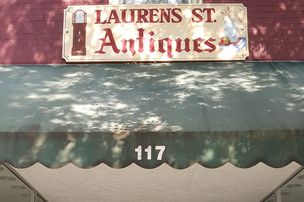 Laurens Street Antiques | Thoroughbred Country