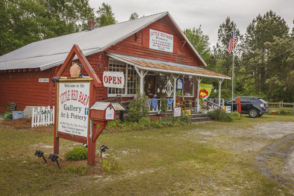 Little Red Barn Pottery & Art Gallery | Thoroughbred Country