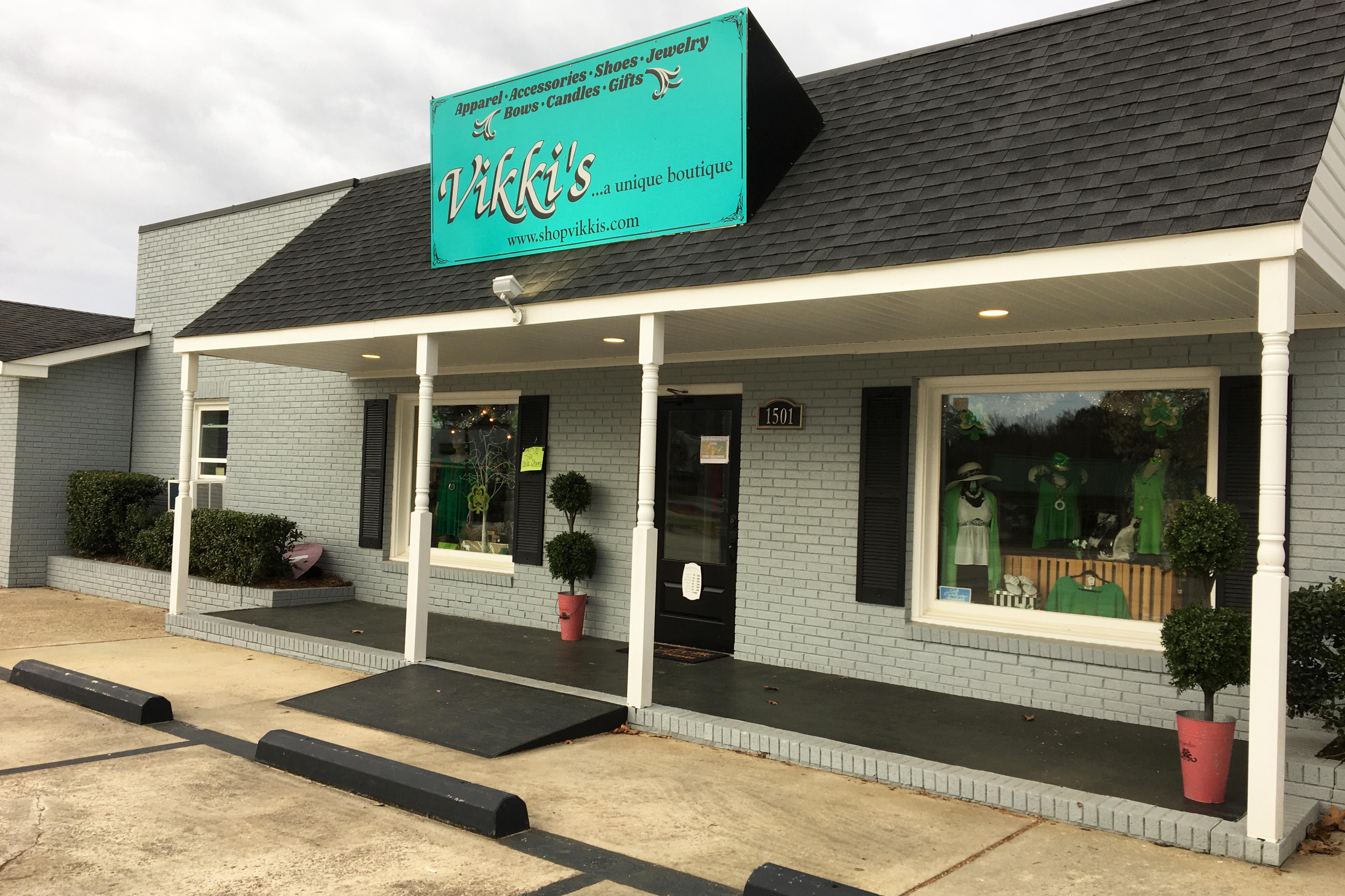 Vikkis A Unique Boutique Aiken | Thoroughbred Country