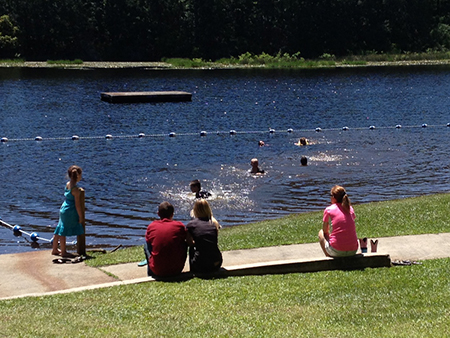 Swimming Area-Kids   Thoroughbred Country