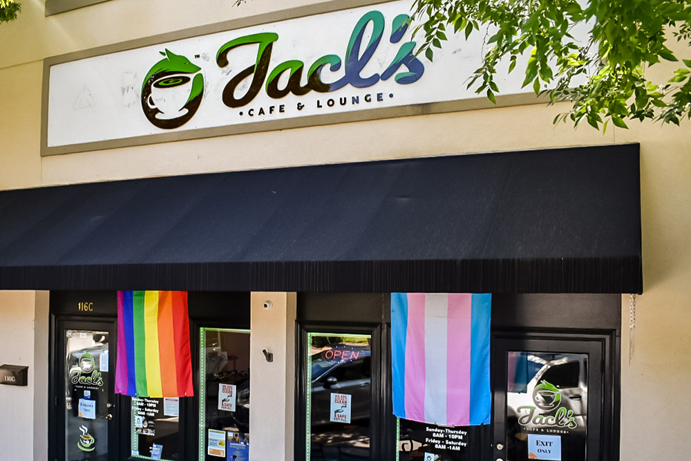 Jacl's Cafe & Lounge   Thoroughbred Country