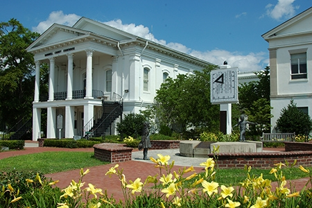 Barnwell County Courthouse & Vertical Sundial | Thoroughbred Country